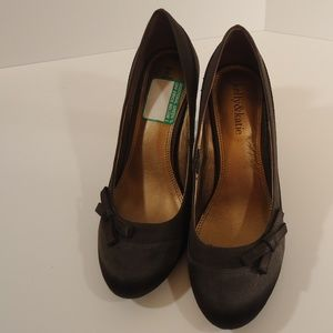 Kelly and Kate pumps size 7 1/2 EUC